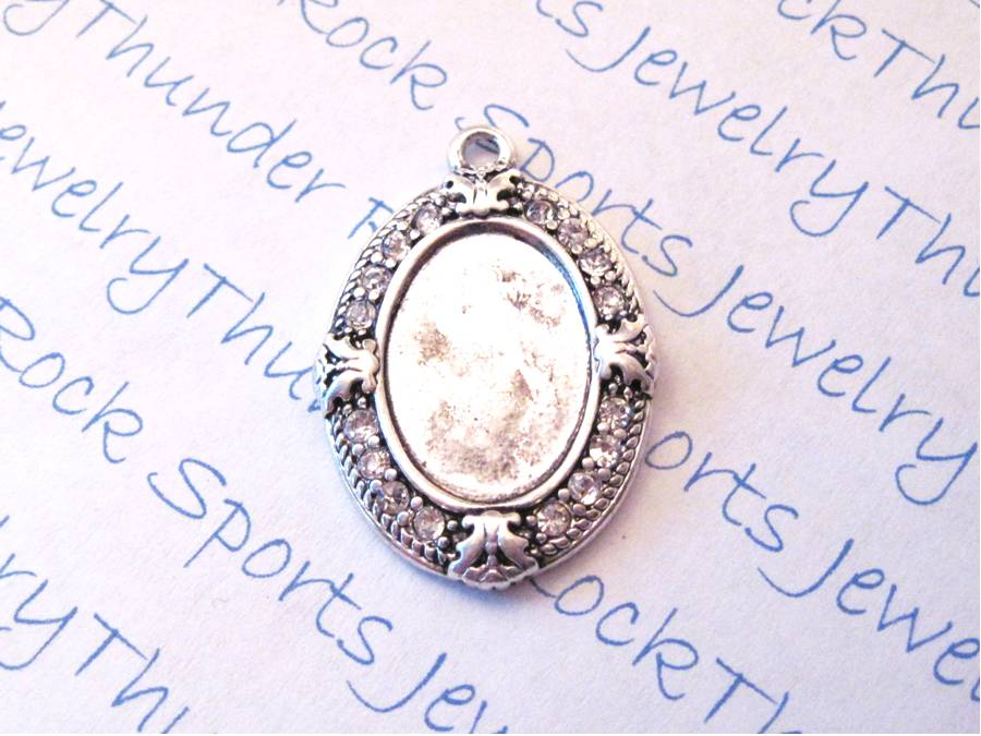 3 Antique Silver Vintage Oval Pendant Blanks with Bezel