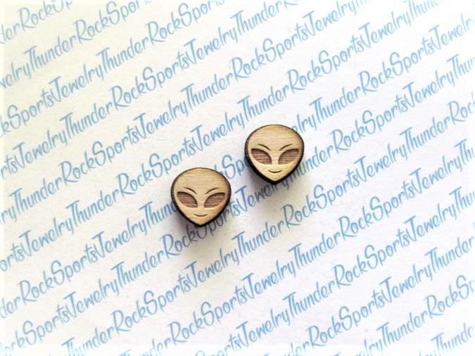 25 Alien Girl Wood Cabochons