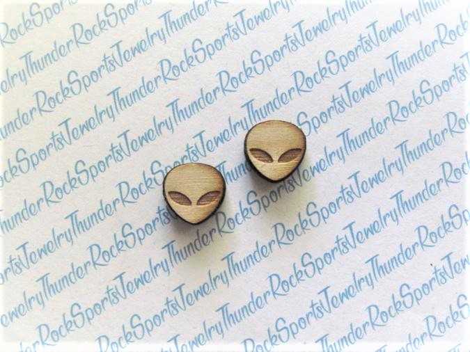 25 Alien Boy Wood Cabochons
